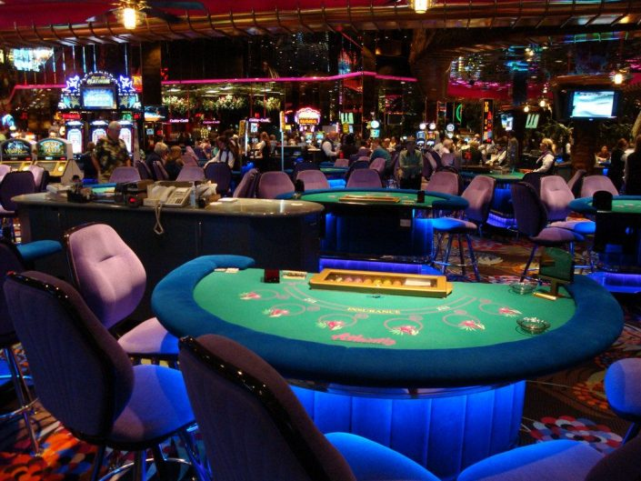 casino-card-table